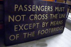 90 Railway instructional sign BR 'Passengers must not cross the line' R5.B2.S1